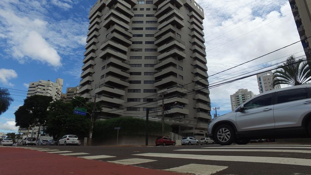 Apartamento na Av Afonso Pena